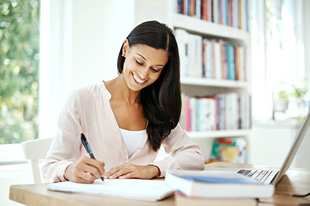 4 Tips to Get That Scholarship You Want